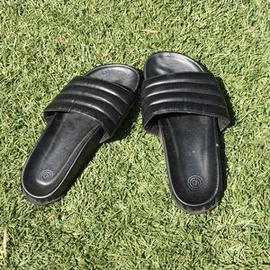 Urban Outfitters • Faux Leather Slippers